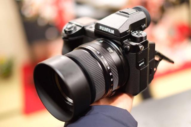 Những mẫu máy ảnh Mirrorless đáng chú ý năm 2017 - Ảnh 2.