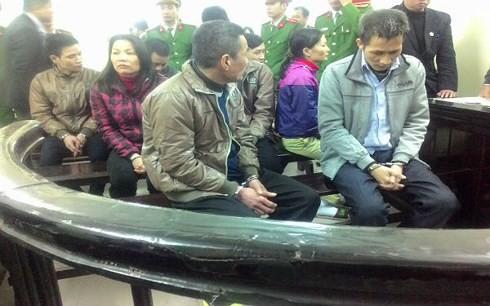 Hà Nội: Xét xử nhóm bị cáo mua bán trái phép chất ma túy - Ảnh 1.