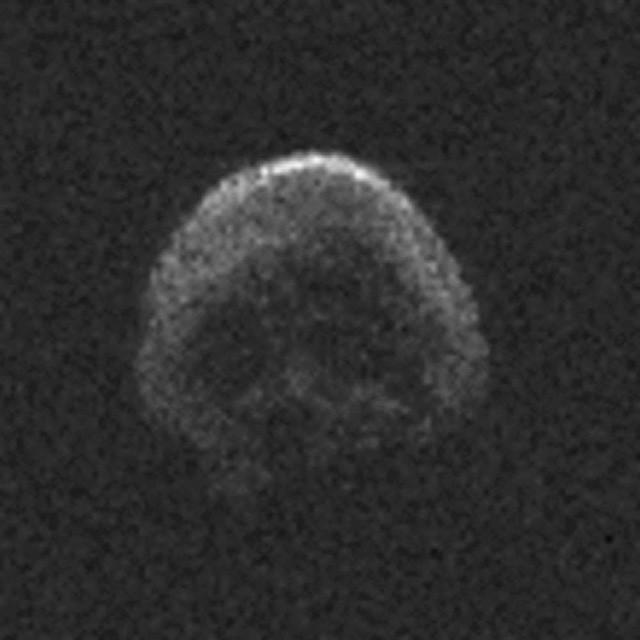 Thiên thể hình đầu lâu sẽ bay ngang Trái Đất lần nữa vào năm 2018 - Ảnh 1.