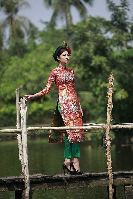 Trang phục đẹp và ấn tượng cho dịp Tết Dương lịch - Ảnh 1.