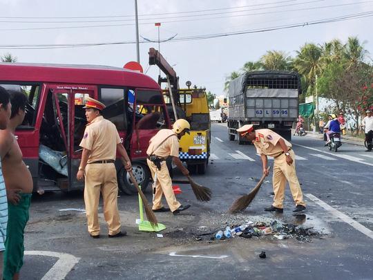 Tai nạn liên hoàn trên đường dẫn cao tốc TP.HCM - Trung Lương, 1 người tử vong - Ảnh 2.