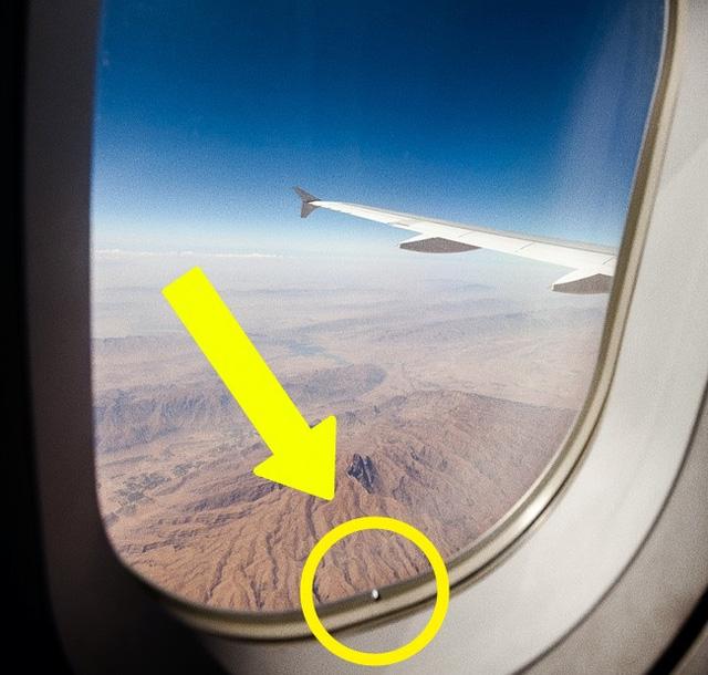 Những thứ hay ho trên máy bay ít hành khách ngờ tới - Ảnh 3.