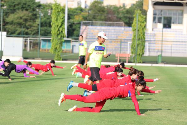 Đội tuyển nữ Việt Nam tập trung rèn thể lực - Ảnh 2.