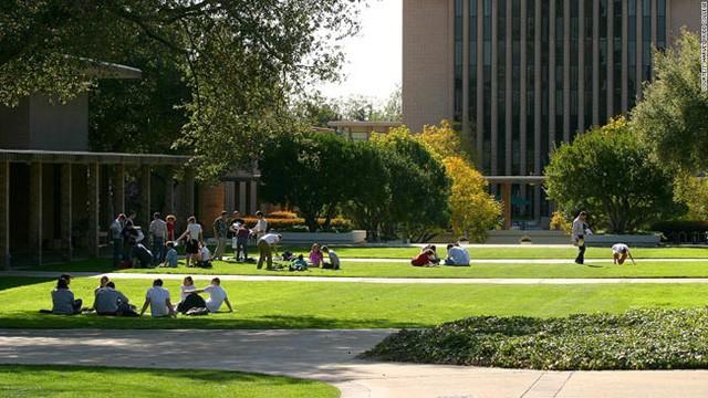 Khám phá trường đại học có mức học phí tiền tỉ của Mỹ - Ảnh 2.