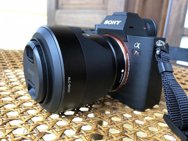 Những mẫu máy ảnh Mirrorless đáng chú ý năm 2017 - Ảnh 3.