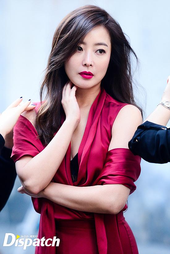 Bước sang tuổi 40, thật khó tin là Kim Hee Sun còn quyến rũ như thế này! - Ảnh 23.