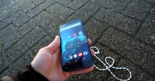Điểm danh những smartphone chống nước tốt nhất cho mùa du lịch - Ảnh 4.