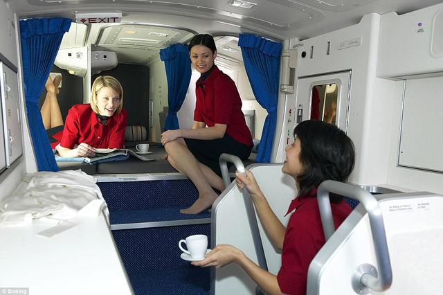 Những thứ hay ho trên máy bay ít hành khách ngờ tới - Ảnh 4.