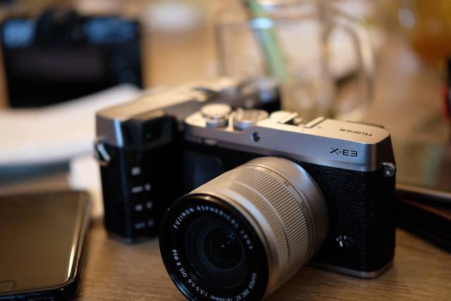 Những mẫu máy ảnh Mirrorless đáng chú ý năm 2017 - Ảnh 4.