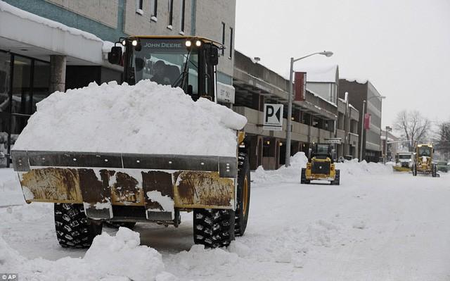 Mỹ lạnh kỷ lục, nước sôi hắt ra hóa tuyết tức khắc - Ảnh 3.