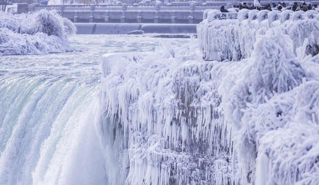 Ngọn thác hùng vĩ nhất thế giới đông cứng trong cái lạnh -67 độ C - Ảnh 4.