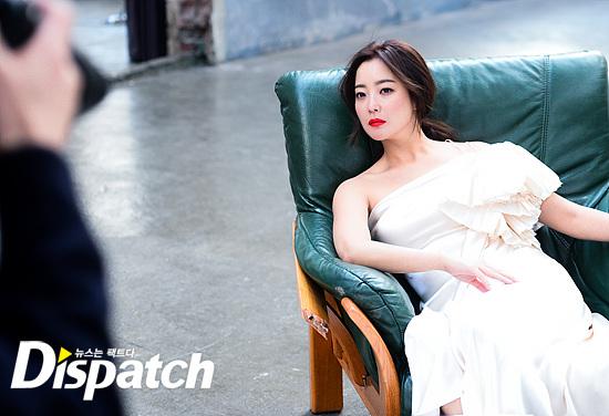Bước sang tuổi 40, thật khó tin là Kim Hee Sun còn quyến rũ như thế này! - Ảnh 29.