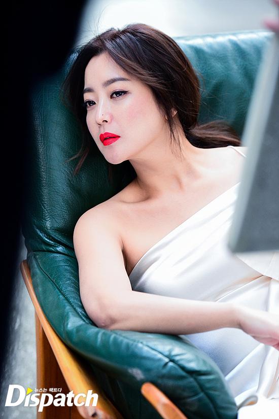 Bước sang tuổi 40, thật khó tin là Kim Hee Sun còn quyến rũ như thế này! - Ảnh 30.