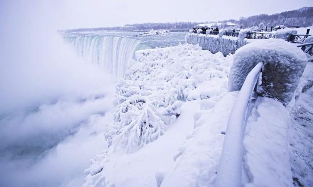 Ngọn thác hùng vĩ nhất thế giới đông cứng trong cái lạnh -67 độ C - Ảnh 5.