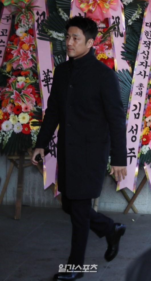 Hé lộ hình ảnh hiếm hoi từ đám cưới của Lưu Diệc Phi Hàn Quốc - Ảnh 6.