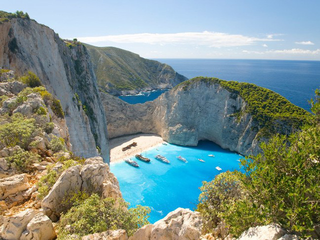 9 bãi biển nước trong nhất thế giới - Ảnh 6.