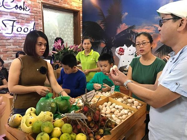Nghệ sĩ Xuân Bắc hào hứng tham gia lễ khai trương cửa hàng thực phẩm hữu cơ Smile Cook - Ảnh 8.