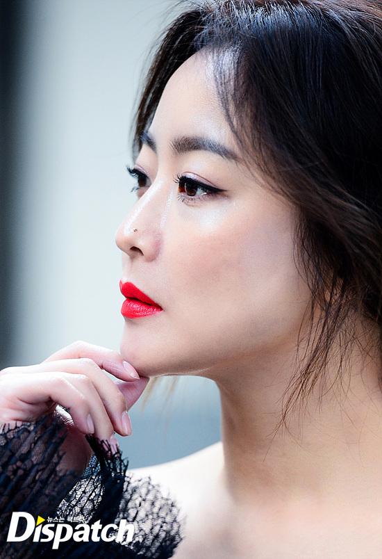 Bước sang tuổi 40, thật khó tin là Kim Hee Sun còn quyến rũ như thế này! - Ảnh 4.