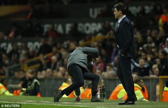 Mourinho vừa làm điều này, Man Utd lập tức có vé đi tiếp! - Ảnh 5.