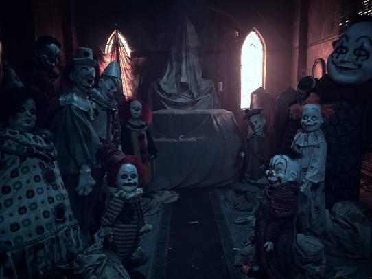 Phim IT: Điều gì làm nên chú hề ma quái ám ảnh khán giả cả trong mơ? - Ảnh 7.
