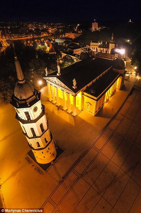 Litva đẹp ngỡ ngàng với góc chụp từ trên cao - Ảnh 13.