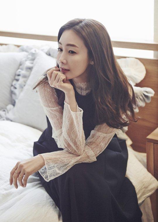 Choi Ji Woo lọt Top sao ăn mặc sành điệu nhất xứ Hàn - Ảnh 5.