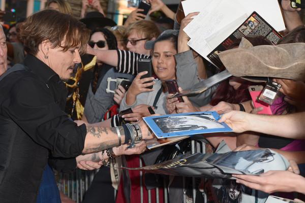 Johnny Depp trở lại mạnh mẽ với Pirates Of The Caribbean: Dead Men Tell No Tales - Ảnh 3.