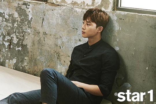 Mỹ nam Park Seo Joon lạnh lùng trên tạp chí - Ảnh 3.