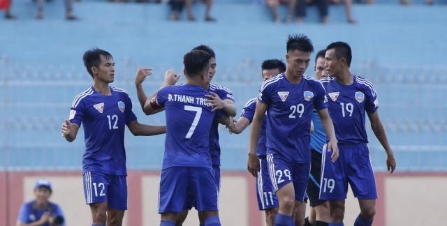 CLB Quảng Nam giành trọn các danh hiệu xuất sắc giải VĐQG tháng 9 - Ảnh 1.