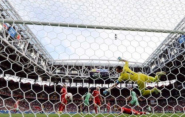 Cúp Liên đoàn các châu lục 2017: Ronaldo tỏa sáng, ĐT Bồ Đào Nha có chiến thắng đầu tiên - Ảnh 4.