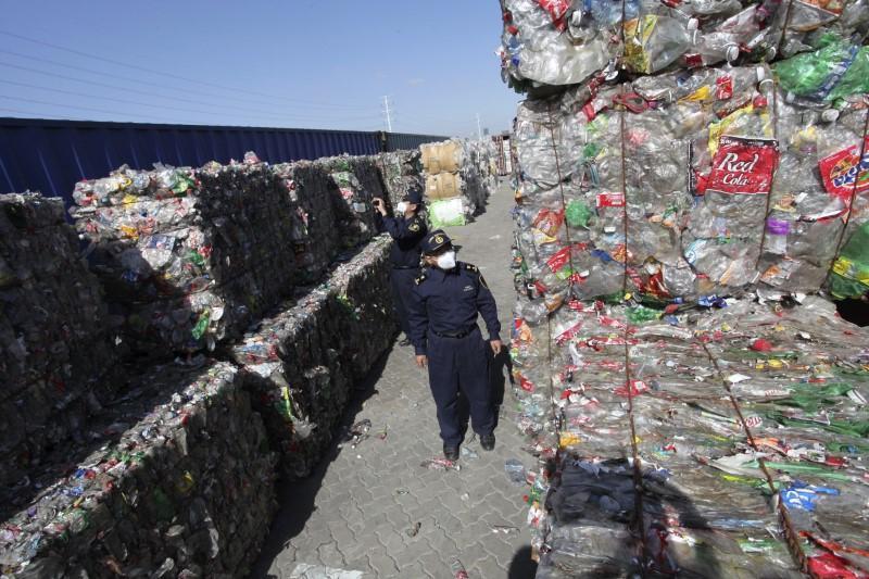 Trung Quốc sẽ ngừng nhập khẩu rác