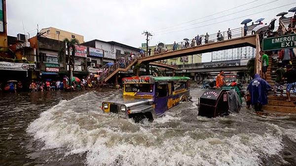 Bão Maring tấn công Philippines, ít nhất 4 người thiệt mạng - Ảnh 1.