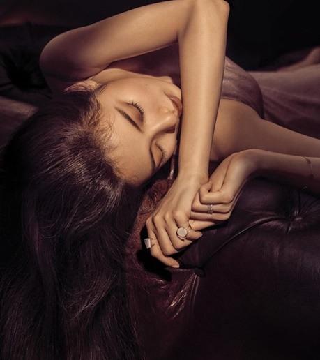 Suzy thu hút mọi ánh nhìn với hai hình ảnh tương phản - Ảnh 5.