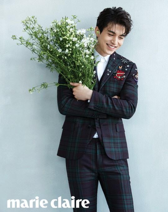 Lee Dong Wook lãng mạn trên bìa tạp chí Marie Claire - Ảnh 1.