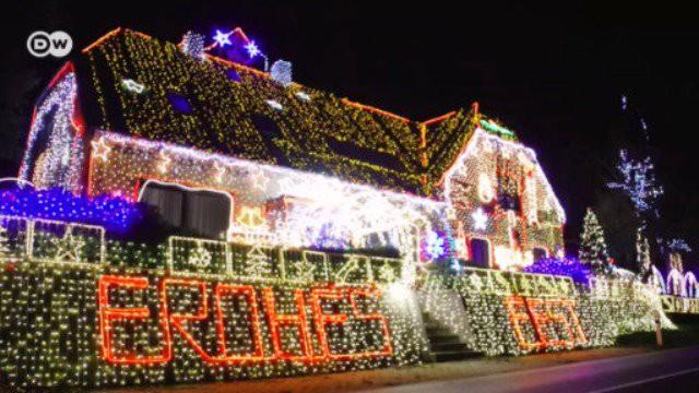 Trang hoàng Giáng sinh với hơn 530.000 bóng đèn - Ảnh 1.