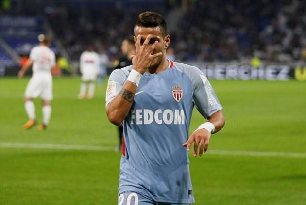 Vòng 9 Ligue 1, Lyon 3-2 Monaco: Kịch tính đến phút chót - Ảnh 2.