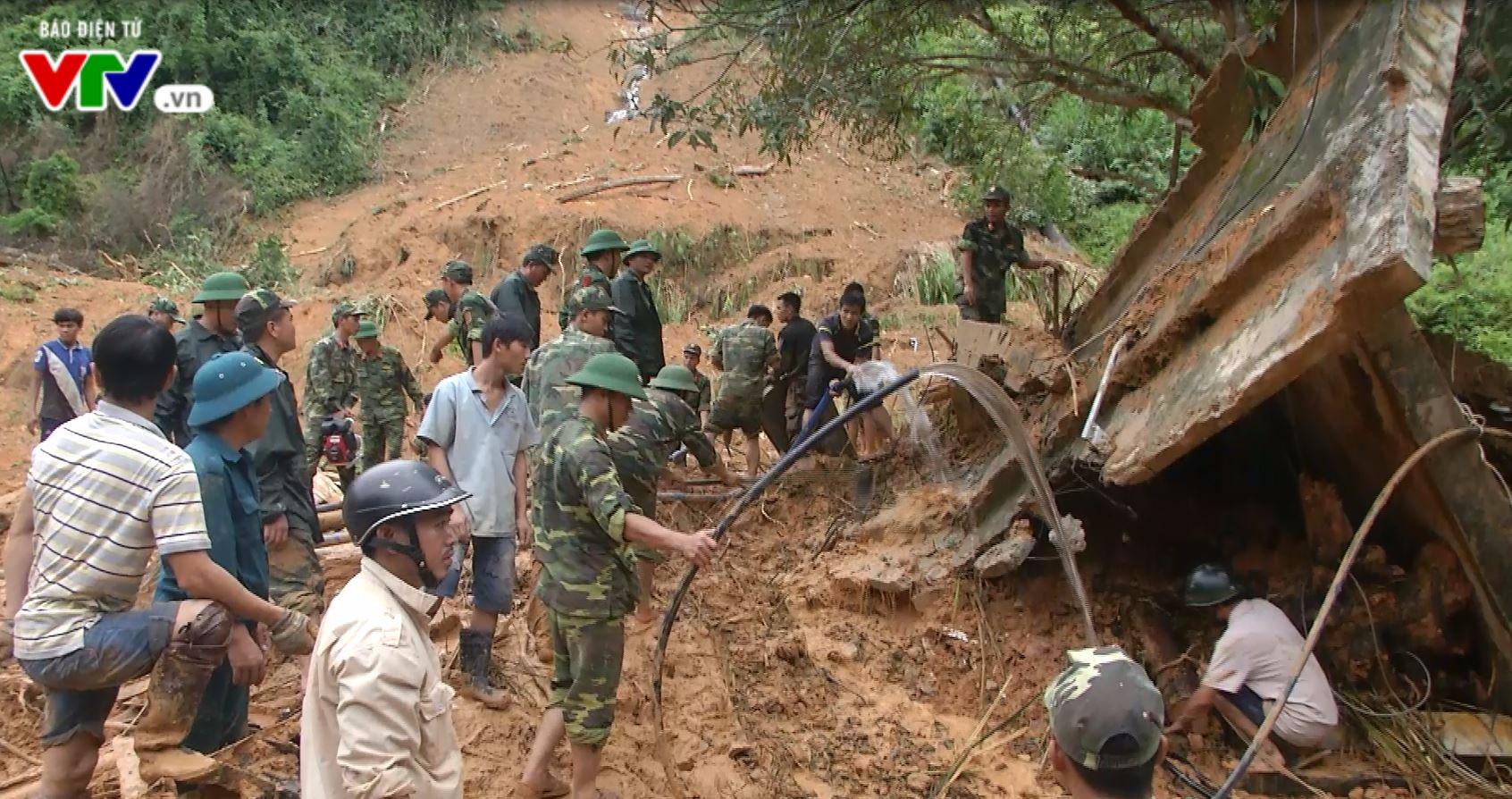 Quảng Nam: Tìm thấy thi thể 2 công nhân bị sạt lở núi vùi lấp - Ảnh 3.