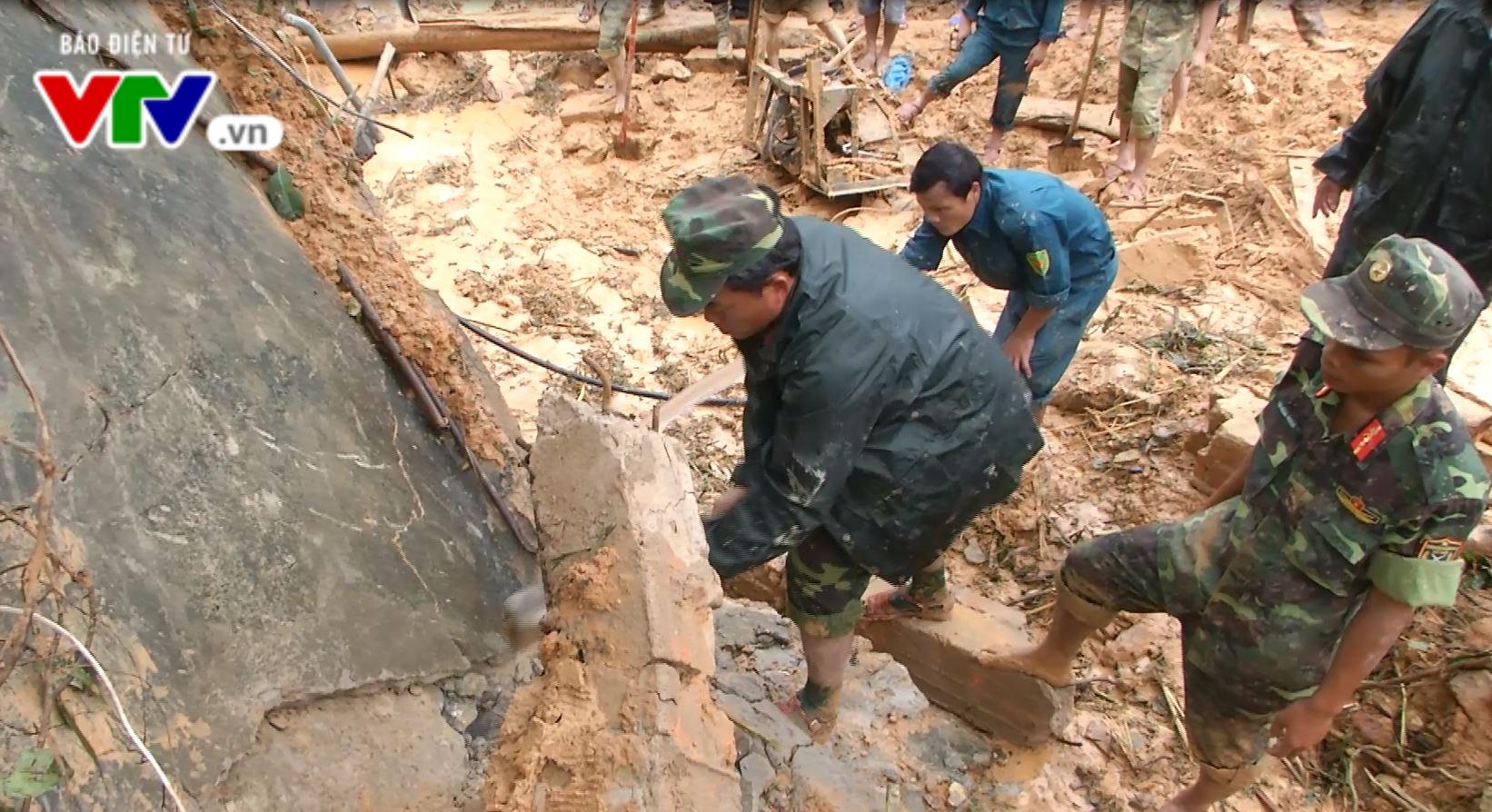Quảng Nam: Tìm thấy thi thể 2 công nhân bị sạt lở núi vùi lấp - Ảnh 1.