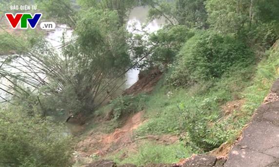 Hà Tĩnh: Sạt lở bờ sông nghiêm trọng - Ảnh 4.