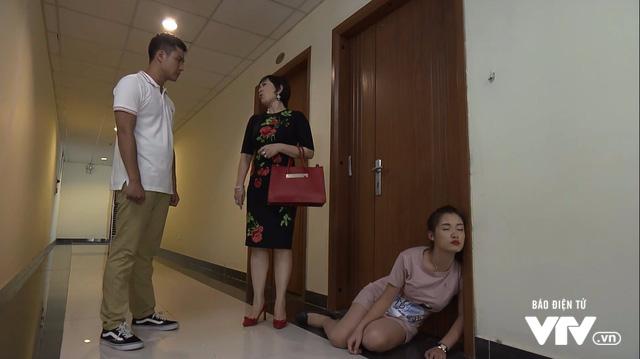 Những người nhiều chuyện - Tập 17: Ông Nhã tá hỏa vì bị gái trẻ lừa tiền, Phong khiến Trinh suy sụp - Ảnh 3.