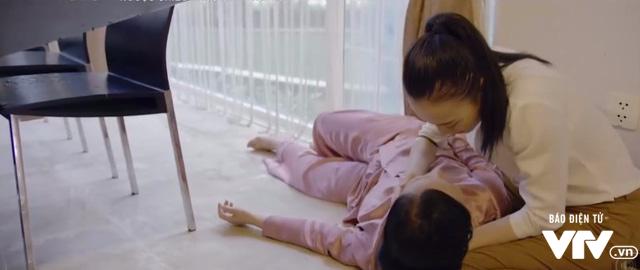 Ngược chiều nước mắt - Tập 30: Bà Lâm (NSND Lan Hương) ngã quỵ vì bí mật của Trang (Huyền Lizzie) - Ảnh 2.
