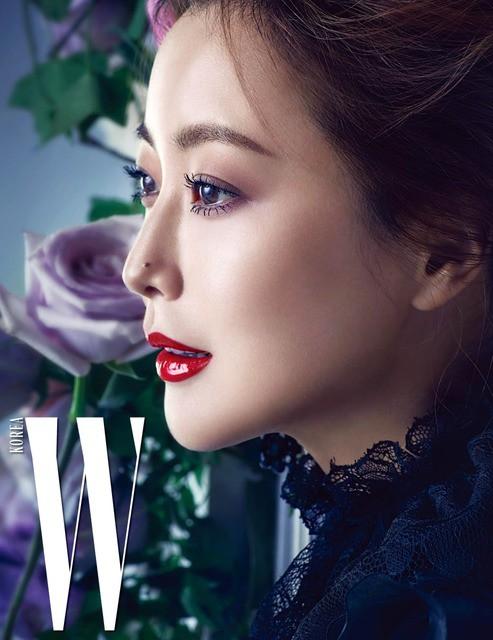 Vẻ đẹp quyến rũ khó cưỡng của Kim Hee Sun - Ảnh 2.