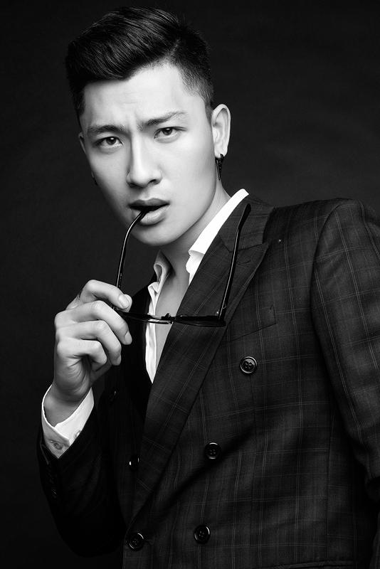 Ngắm nam chính điển trai, đa tài trong MV mới của ca sĩ Thu Thủy - Ảnh 3.