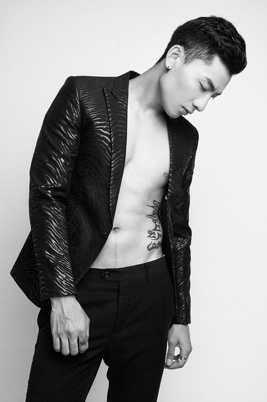 Ngắm nam chính điển trai, đa tài trong MV mới của ca sĩ Thu Thủy - Ảnh 4.