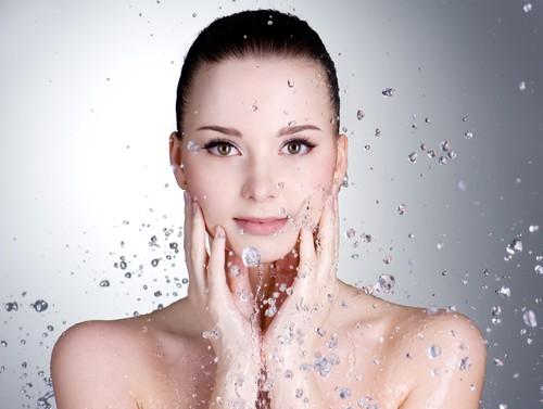 Da thiếu ẩm và da thiếu nước khác nhau như thế nào? - Ảnh 2.