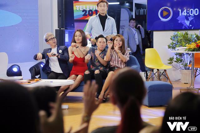 Ái Phương, Chí Thiện cười hết cỡ, chơi hết mình với khán giả tại Telefilm 2017 - Ảnh 1.