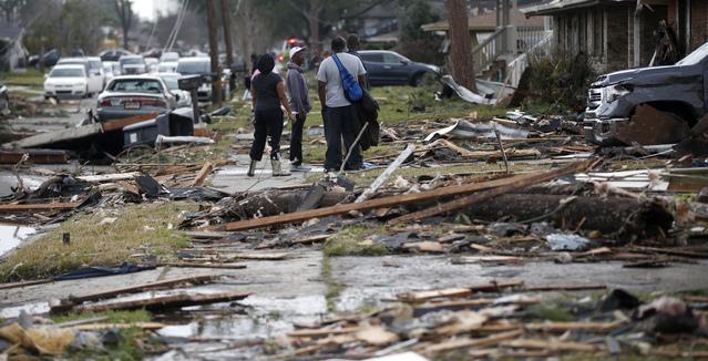 Bão kèm lốc xoáy gây thiệt hại nặng tại Mỹ - Ảnh 7.