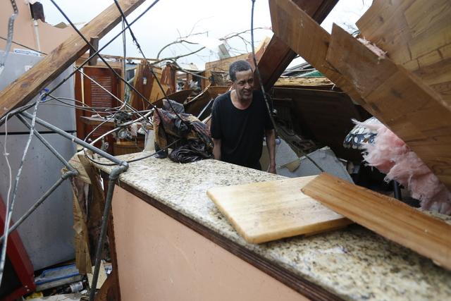 Bão kèm lốc xoáy gây thiệt hại nặng tại Mỹ - Ảnh 1.