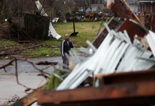 Bão kèm lốc xoáy gây thiệt hại nặng tại Mỹ - Ảnh 5.