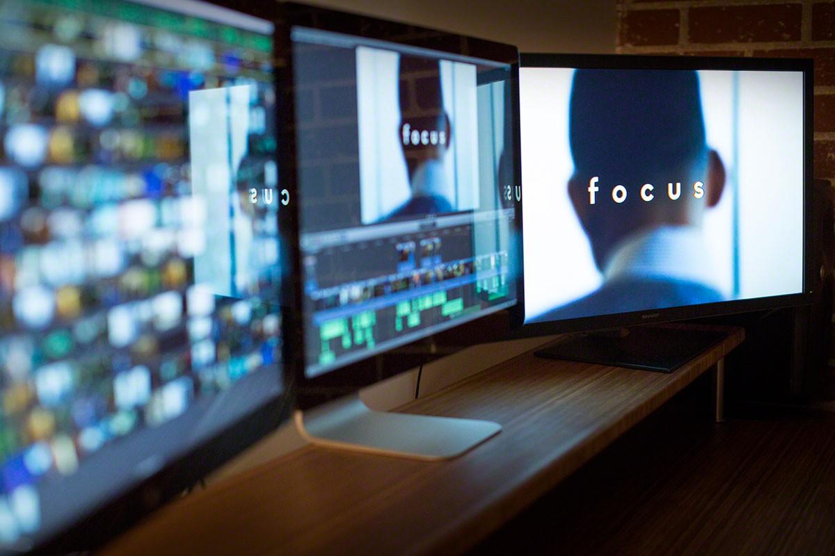 studio-clipart-film-editor-20